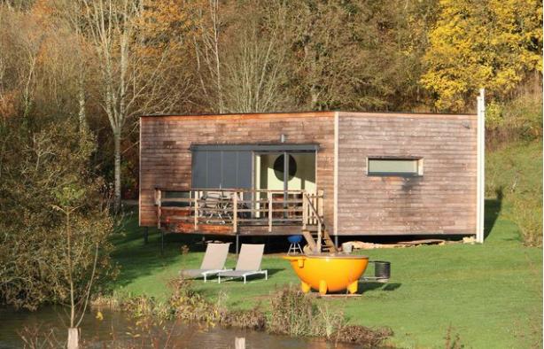 nouvelle cabane haut de gamme sur pilotis en bourgogne pour la cabane en l 39 air. Black Bedroom Furniture Sets. Home Design Ideas